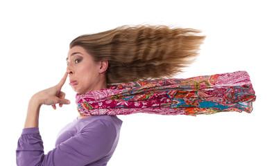 Witzig lustige Frau isoliert mit langen Haaren und traurig