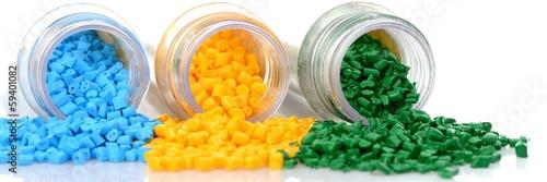 Reagenzglas mit farbigen Masterbatch Kunststoffgranulat - 59401082