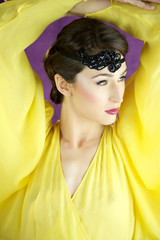 20s style fashion model with yellow dress