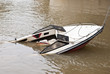 Barca a motor hundida - 59417436