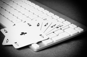 Poker On-line.  Black and White