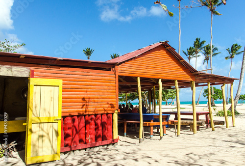 Leinwanddruck Bild Strandgrill in der Karibik