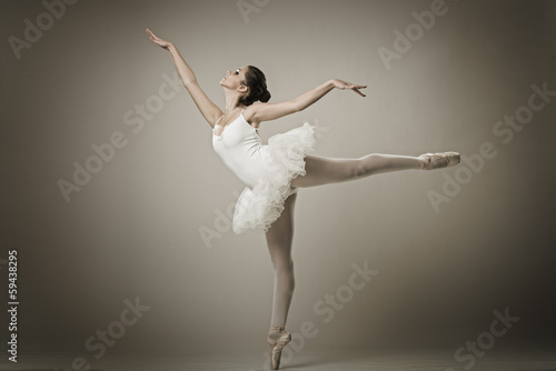 Canvas Dans Portrait of the ballerina in ballet pose