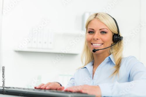 callcenter mitarbeiterin