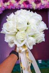 beautiful white wedding flowers bouquet