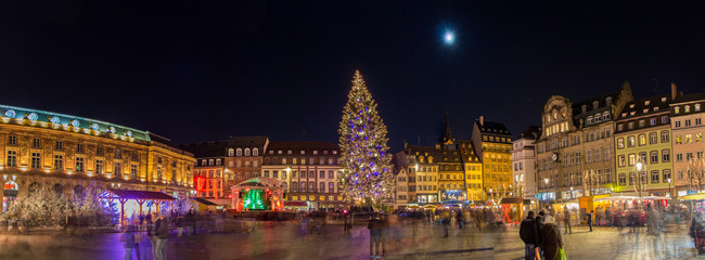 Christmas tree with Christmas market in Strasboкп