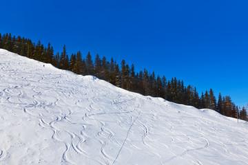Mountains skis track