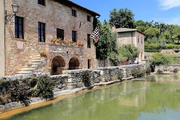 bagno vignoni s. quirico d'orcia toscana