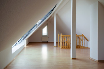 Dachgeschoss- Wohnraum