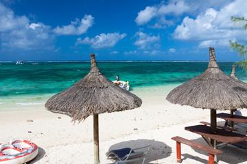 lagon émeraude et plage de l'île Maurice