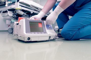 Doctor rescues patient in cardiac arrest