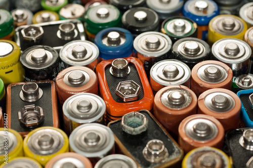 Leinwanddruck Bild Verbrauchte Batterien