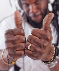 Rasta show thumbs up