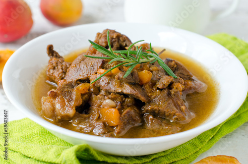 Lamb stew with apricots