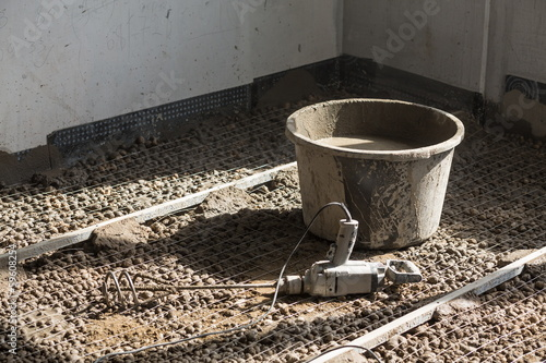 Bucket with blunger on expanded clay aggregate