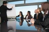 Geschäftsleute im Konferenzraum