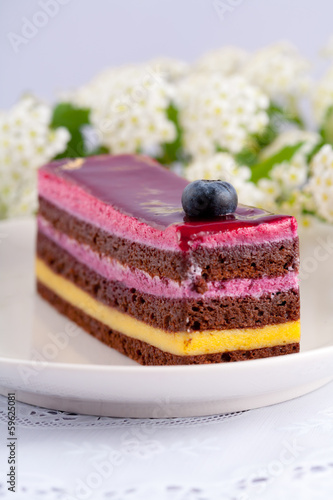 イチゴとチョコレートのケーキ