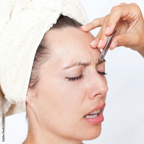 Augenbraunen zupfen