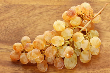 Golden yellow White wine Grapes from Sudtirol