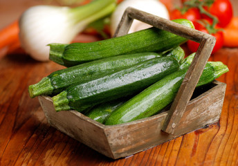 zucchine verdi biologiche