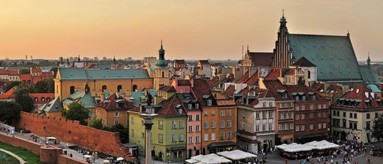 Starego miasta na zachód słońca. Warszawa, Polska-szyte Panorama