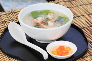 Thai boiled rice with shrimp