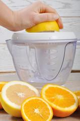 Making natural fruit juice