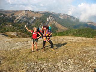 Туристы на горном плато