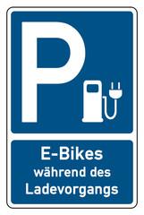 parksymbol parken e-bikes während des ladevorgangs
