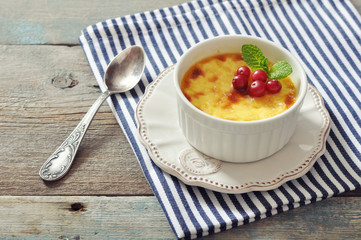 The creme brulee with mint