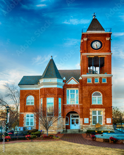 Historic small town court house building in Dallas, GA