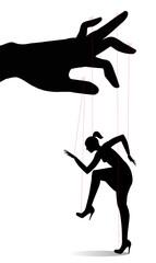 donna controllata come una marionetta