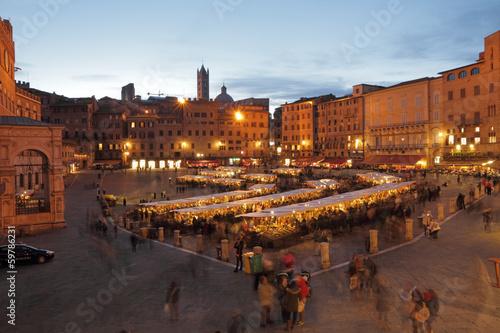 Leinwanddruck Bild Traditional   Mercato Grande in Siena