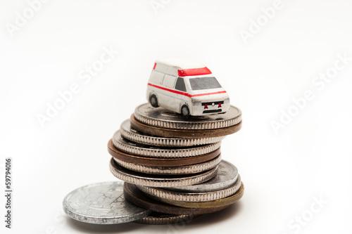 救急車と医療費