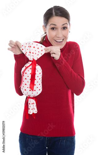 Frau isoliert mit einem Geschenk zu Valentin oder Geburtstag