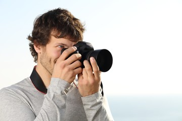 Attractive photograph photographing with a slr camera