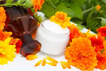 Ringelblumensalbe und Ringelblumenöl