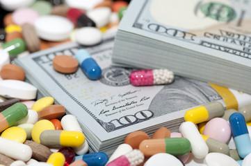 Money bundle (pack) among various drugs
