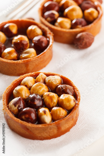 Nut tarts with caramel