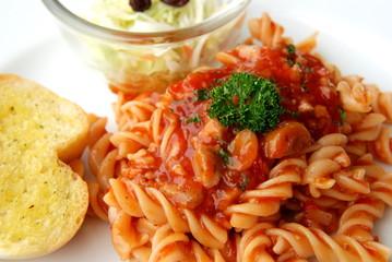 fusilli tomato meat sauce