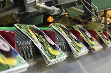 Brochure and magazine stitching process.