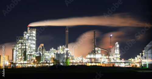 canvas print picture moderne Industrieanlage // High Tech factories