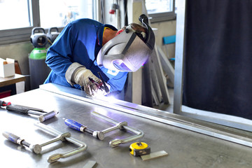 Industriearbeiter im Maschinenbau