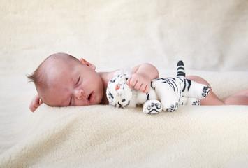neonato col tigrotto