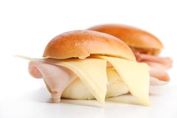 Panino con Prosciutto Cotto e Formaggio a Fette