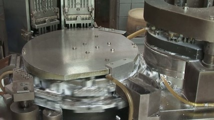Automatic conveyor for pharmaceutical products (tablets,
