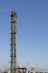 Tower for evacuation of burned gases from an  refinery