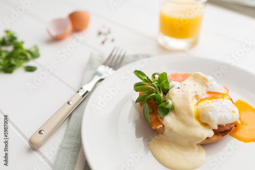 Poached eggs royale with salmon and sauce hollandaise