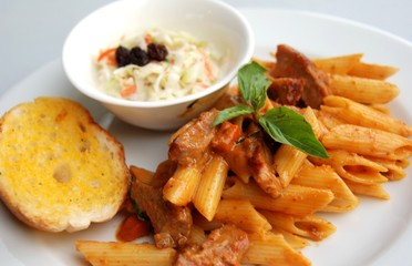 penne red spicy curry sauce