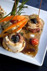 Filets de sole, caviar, légumes et purée de pommes de terre